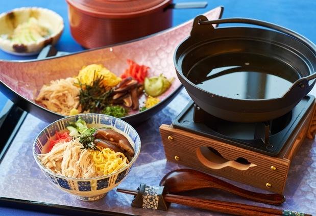 レストランは和食と洋食で奄美大島の旬が味わえる!