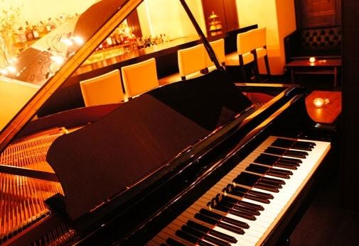 30~40名規模のパーティーやミニコンサートにも利用できる空間