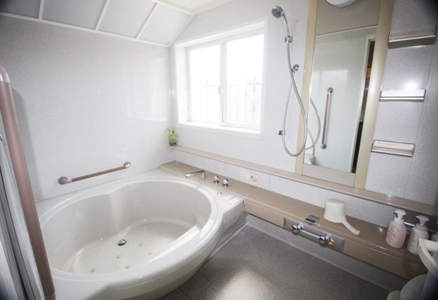 お風呂は館内にジャグジーバスが2ヵ所!