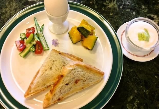 屋久島の味覚をリーズナブルに味わえる朝食