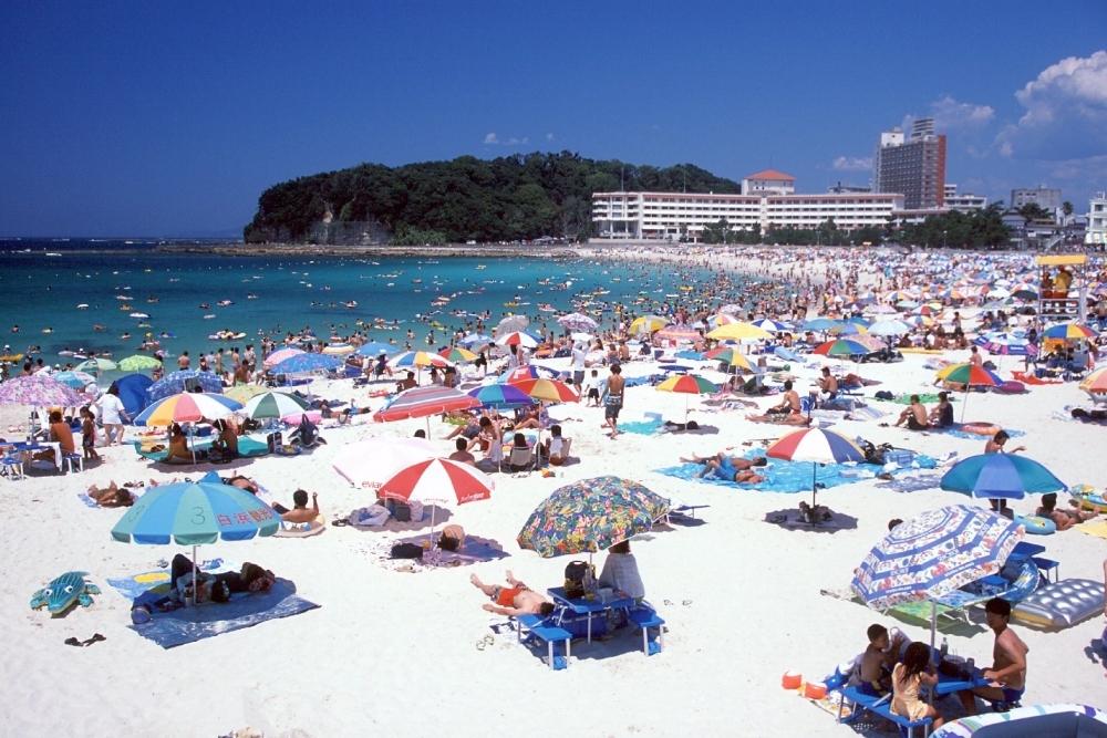 観光地としても有名な白浜をエンジョイ!