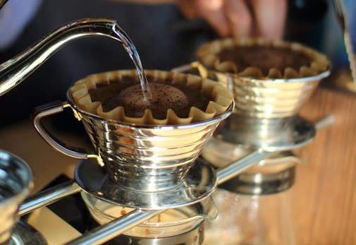 こだわりのコーヒーとボリュームたっぷりのメニューが魅力「SLOW JET COFFEE」