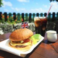 超絶きれいな海がすぐそこ!!与論島の絶景おしゃれカフェは、食レベルも高い【連載第51回】