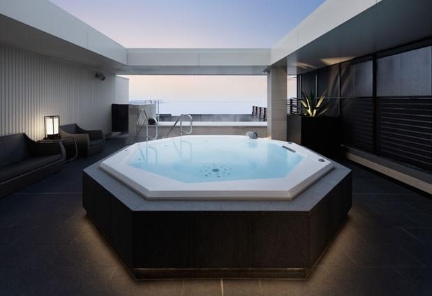 プールの後は、温泉で身体を温めよう