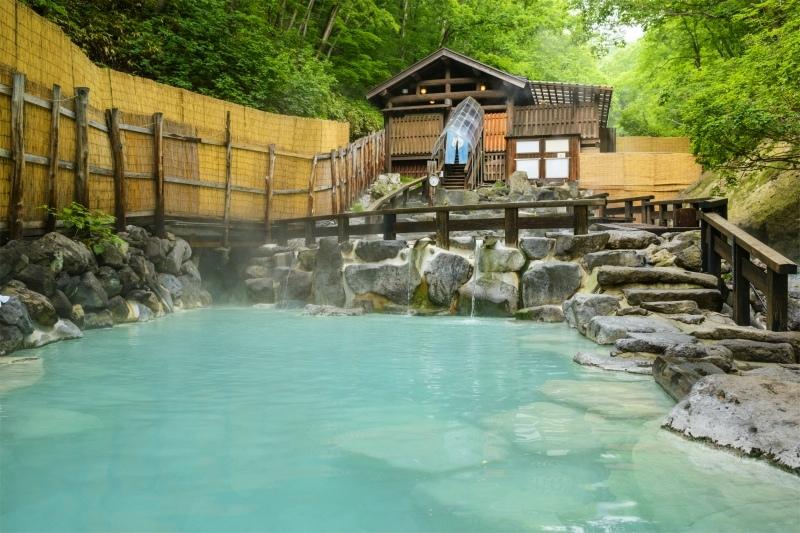 パワフルな絶景と温泉を堪能できる蔵王