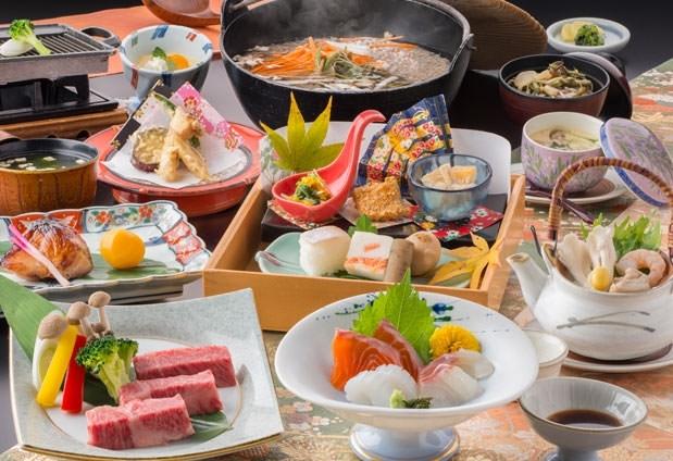 地元の食材をたっぷりと使用した会席料理