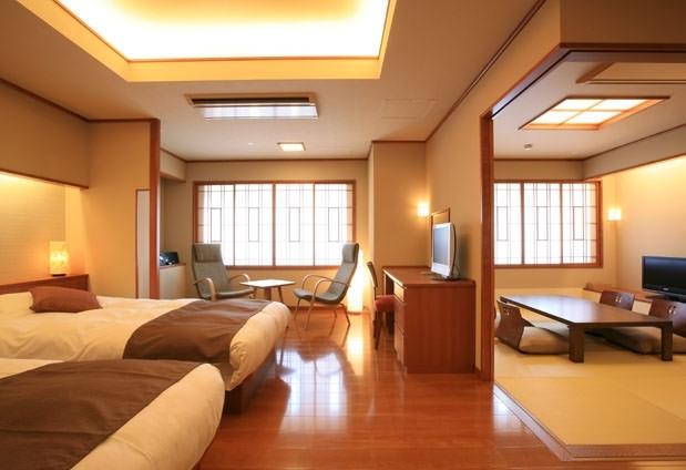 和モダンで落ち着いた雰囲気の客室