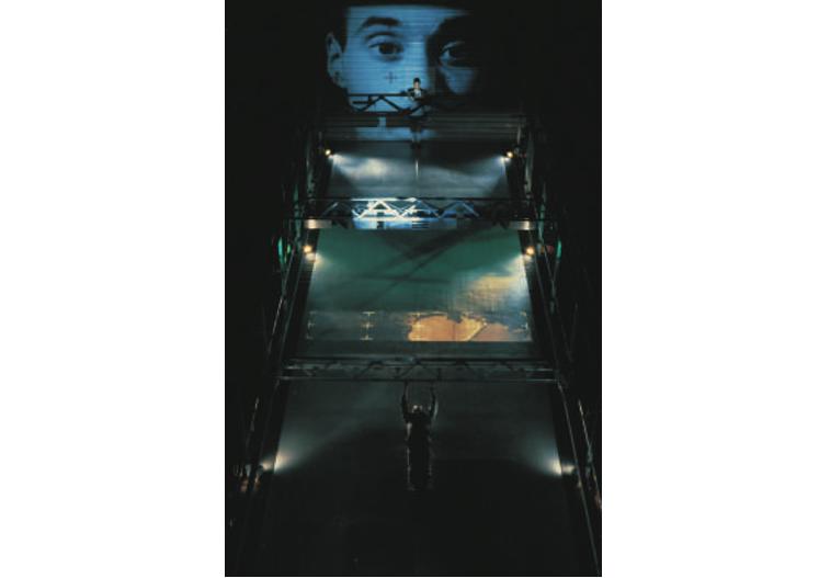 「ダムタイプ―アクション+リフレクション」展