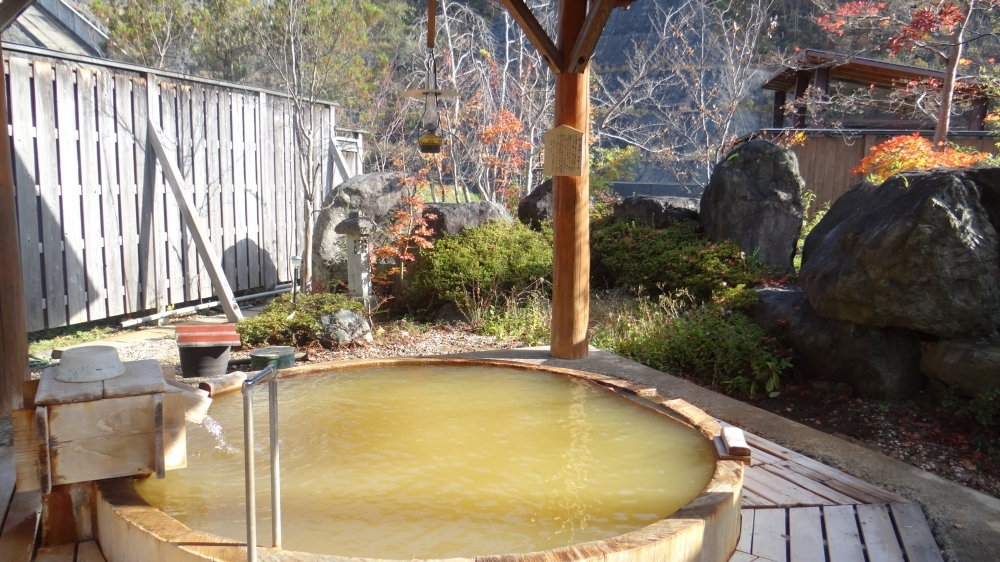 江戸時代末期からある名湯を自家源泉で
