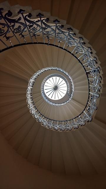 美しすぎる!世界の「螺旋階段」①クイーンズ・ハウス(イギリス)