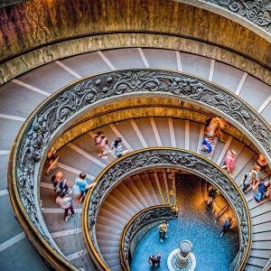 世界には究極の造形美が存在する。海外の美しすぎる「螺旋階段」4選その0