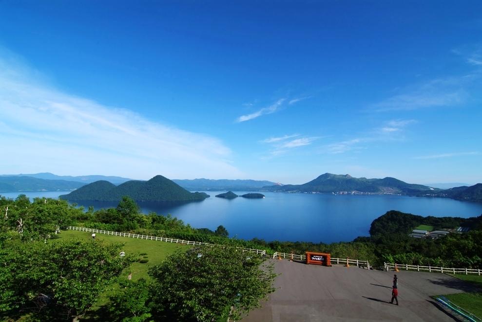 ダイナミックな洞爺湖の美観を楽しむ