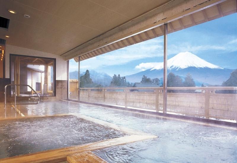 富士山を眺めながらの入浴を