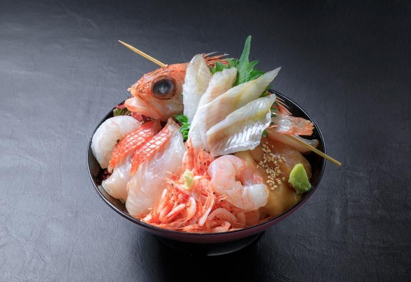 「海鮮丼 佐政」の深海丼(静岡県)