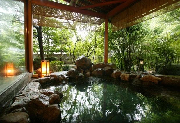 武雄温泉を堪能できる露天風呂