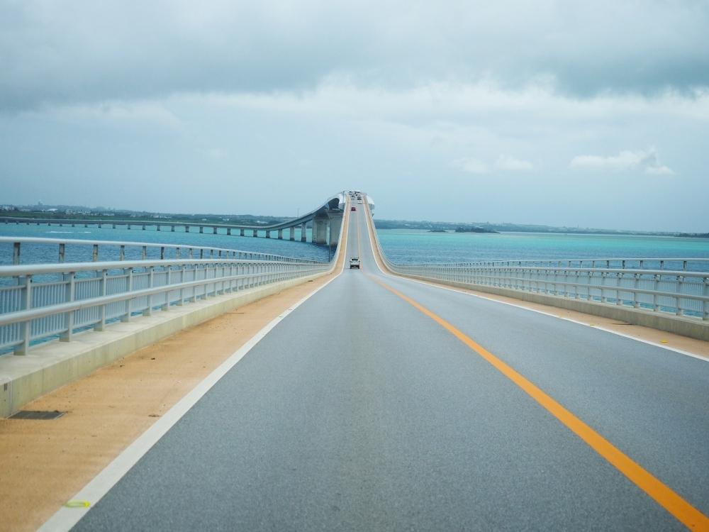 <動画つき>サンゴ礁の海の上をドライブ!元秘境ツアー添乗員・とまこおすすめ、宮古島の海にかかる橋3つ【連載第26回】その4