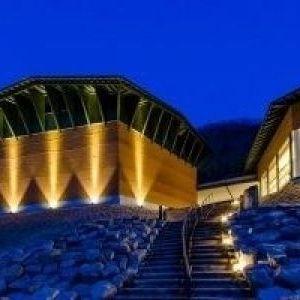 ナイトミュージアムも!「玄武洞ミュージアム」ライトアップイベント開催
