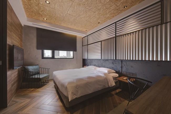 ホテルスペースは、シンプルで広々とした空間設計。
