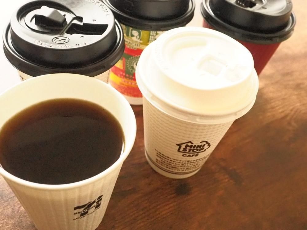 バリスタ・柳隆晴さんがコンビニ4社のホットコーヒーを飲み⽐べ! 【2021年冬編】
