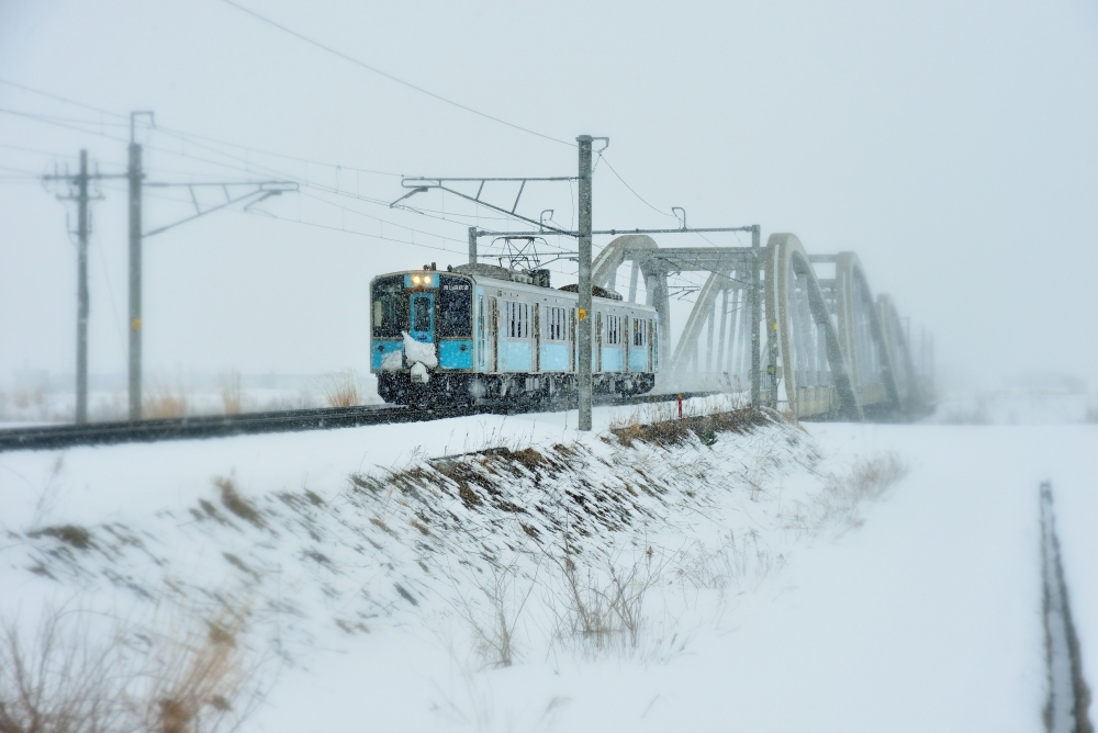 「酒のあで雪見列車」真冬の演出①▶雪景色を巡る「青の森鉄道」特別列車が運行