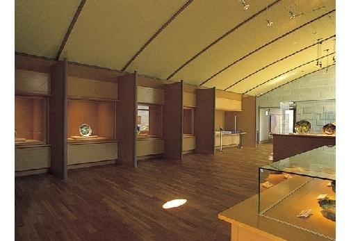 「石川県九谷焼美術館」で焼き物に感動する