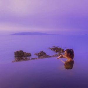 海とお風呂の境界線はどこ?絶景露天風呂が自慢の宿「銀波荘」とは