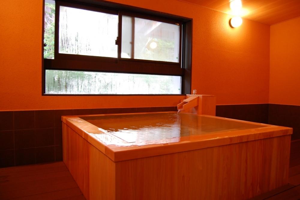 効能豊かな温泉を貸切風呂で独り占め