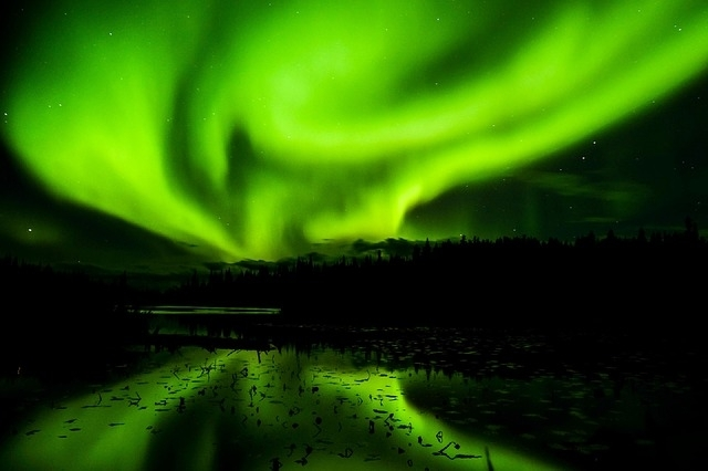 一生に一度は見たい!世界の「オーロラ」鑑賞スポット10選①イエローナイフ(カナダ)