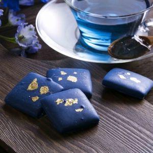 世界初、天然の青色チョコレート誕生!ヴィレヴァンオンラインで予約受付中