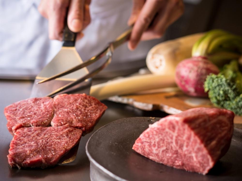1日限定「鉄板焼ブッフェ 肉フェス」