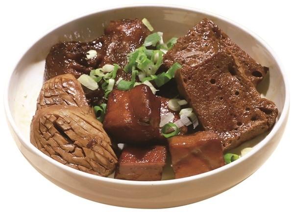 """台湾の""""茶色い食べ物""""に間違いなし! 特製の滷味をおうちごはんで。"""