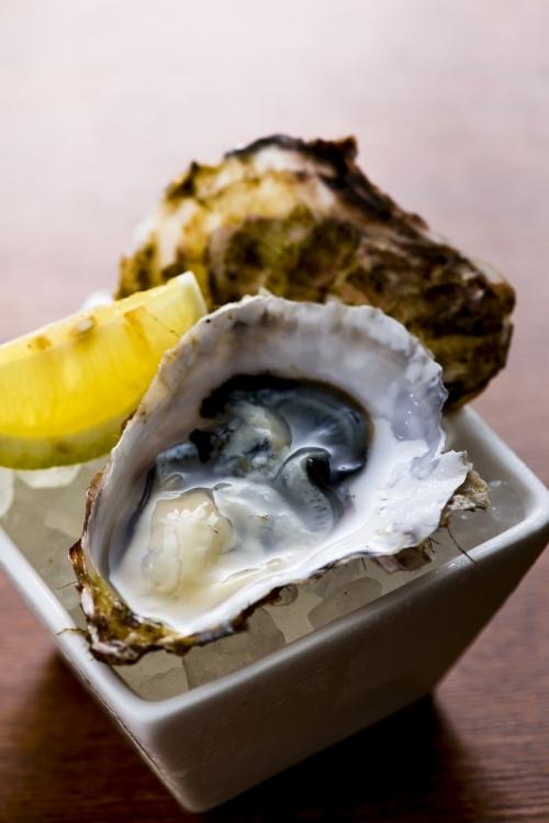 バージンオイスターと呼ばれる「あまころ牡蠣」を提供