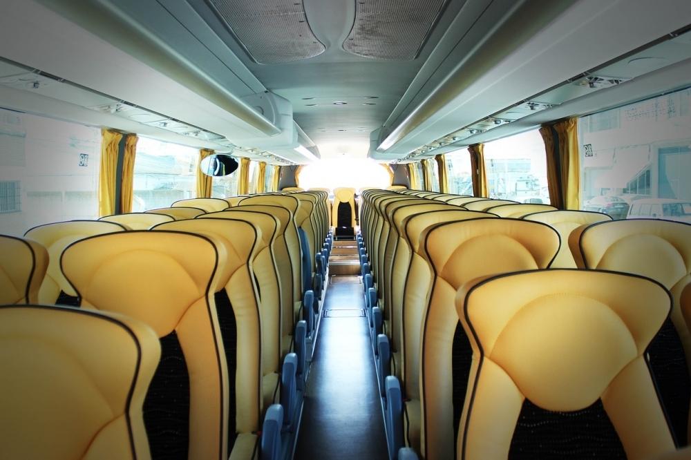 バス旅を快適に過ごすコツ②リクライニングを使う