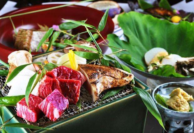 日本料理の基礎を大事にした会席料理