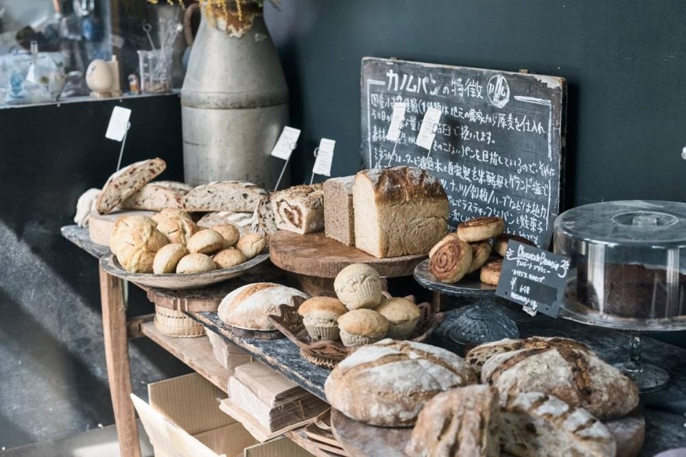 ベジタリアンも安心な、毎日の食卓を彩るシンプルなパン