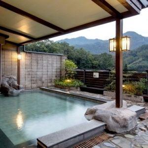 【台湾情報】熱帯雨林で森林浴。美人の湯で温泉浴。亜熱帯流、森ガール体験!
