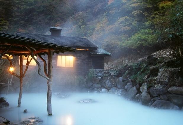 秋田県でしたい4つのこと④秘境・乳頭温泉に浸かる
