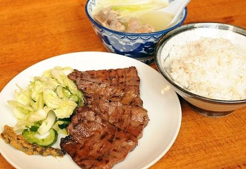 「牛タン焼き」発祥のお店:味太助本店