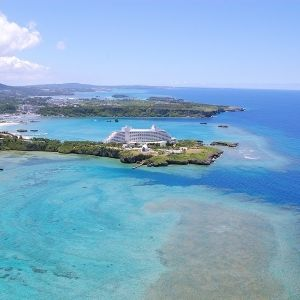 南国の楽園!エメラルドグリーンの海に囲まれた極上のリゾートホテル