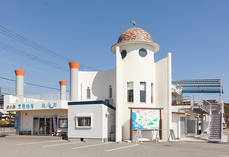 海岸線を望む絶景と美食を求めて「道の駅 志原海岸 海来館」@和歌山