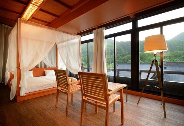 「山の神温泉 優香苑」の魅力①ゆったりとした客室