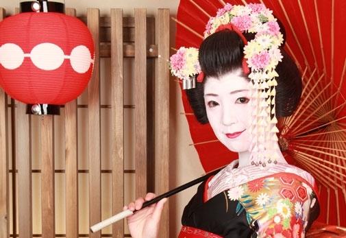 京都ならではの体験ができるスポット④:舞妓体験STUDIO夢工房