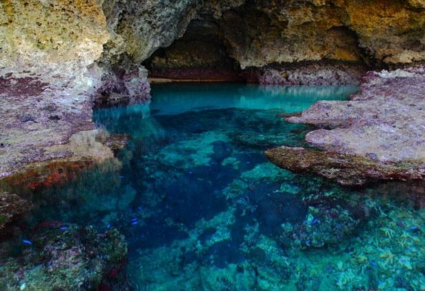 「JUSANDI」で叶える理想の石垣島旅行③「青の洞窟」を観光する