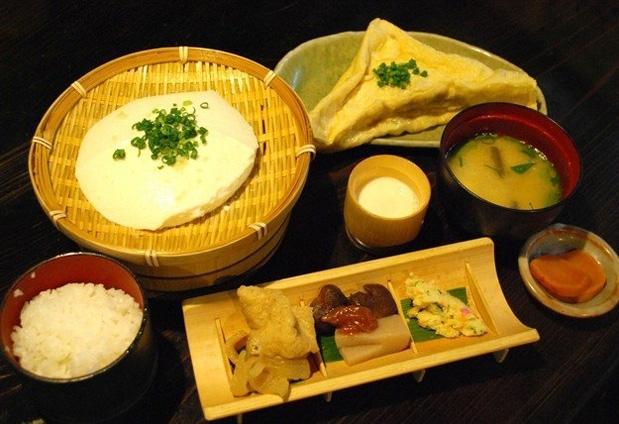 出来立ての豆腐を味わえる宿