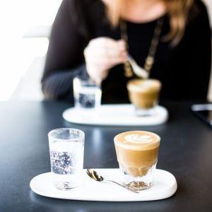 スクールよりも気軽に通える♡都内のおすすめ「英会話カフェ」10選
