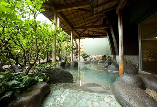 趣の異なる2種類の大浴場