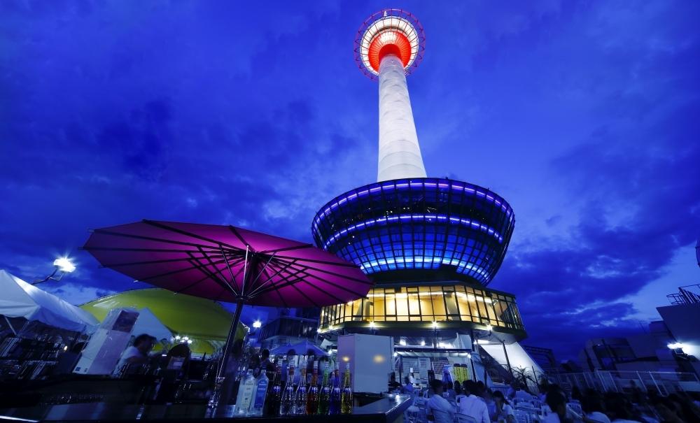 昭和・平成を令和元年にプレイバック 「京都タワービアガーデン2019」