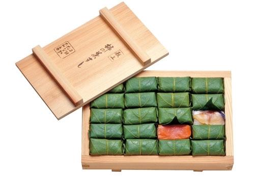 奈良県:柿の葉すし