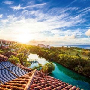 絶景とともにゆったりと過ごせる沖縄・離島のホテル