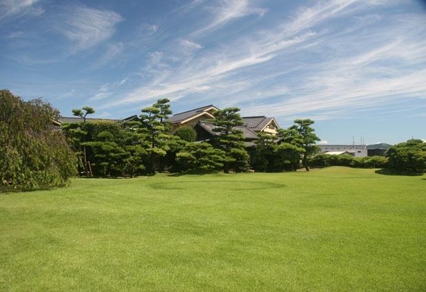 広島県にある「西山別館」の魅力②ブライダルやパーディで使われる庭園
